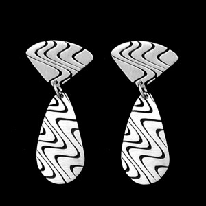 44. 15-ER51 DOUBLE EARRINGS
