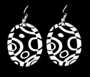 ade201-small-black-circles-simple-earrings