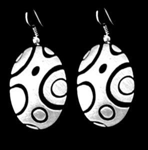 mer19-shiny-oval-circles-single-earrings