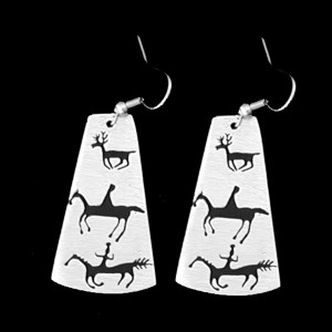 P26-S NEXT CYCLE PETROGLYPH SIMPLE EARRINGS