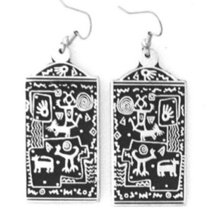 PE-101 GOOD AROUND US  CHACO PETROGLYPH SIMPLE EARRINGS
